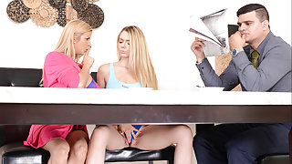 Alexis Fawx & Molly Mae in Pussy For Breakfast - Brazzers